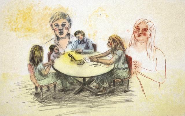 Imagen de Mariana Larotta sobre una familia realizando un conversatorio