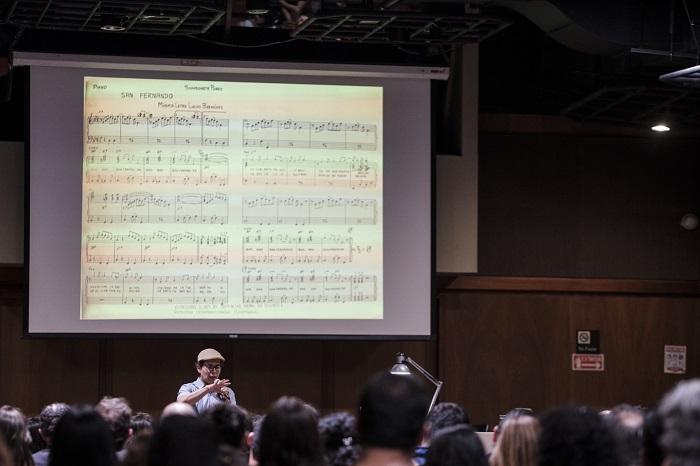 Conferencia Lucho Bermúdez y la reconfiguración del jazz con la participación del musicólogo Sergio Ospina Romero en el marco del proyecto Bicentenario de una nación en el mundo organizado por el Banco de la República.