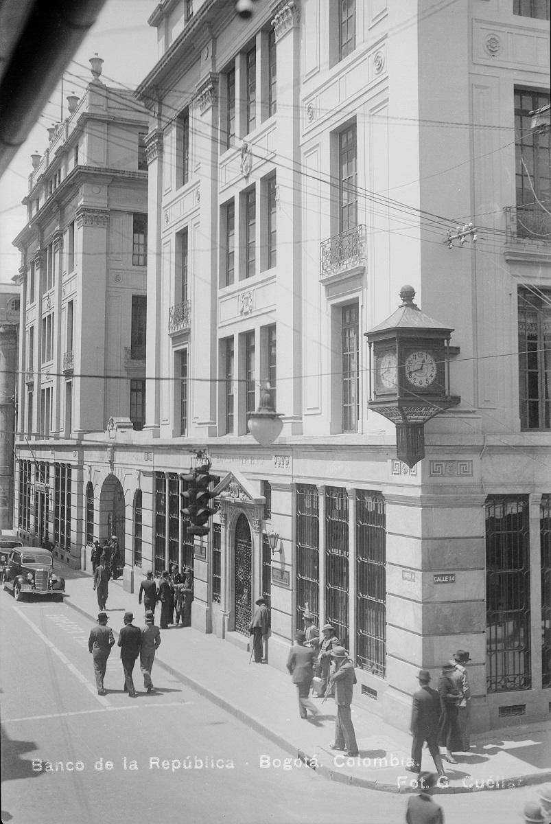 Edificio Pedro A. López. Banco de la República. c. 1930. Imagen exclusiva de divulgación, prohibido su uso.
