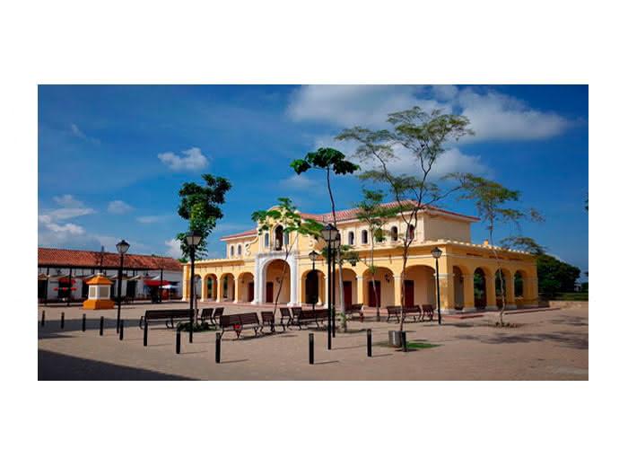 Mompox, edificio de la Aduana, luego del Mercado.