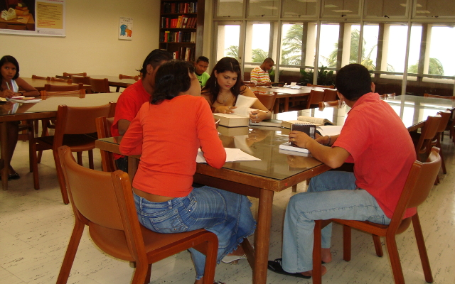 Biblioteca de Riohacha sala de lectura